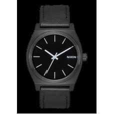 Reloj Nixon Time Teller Negro Blanco.